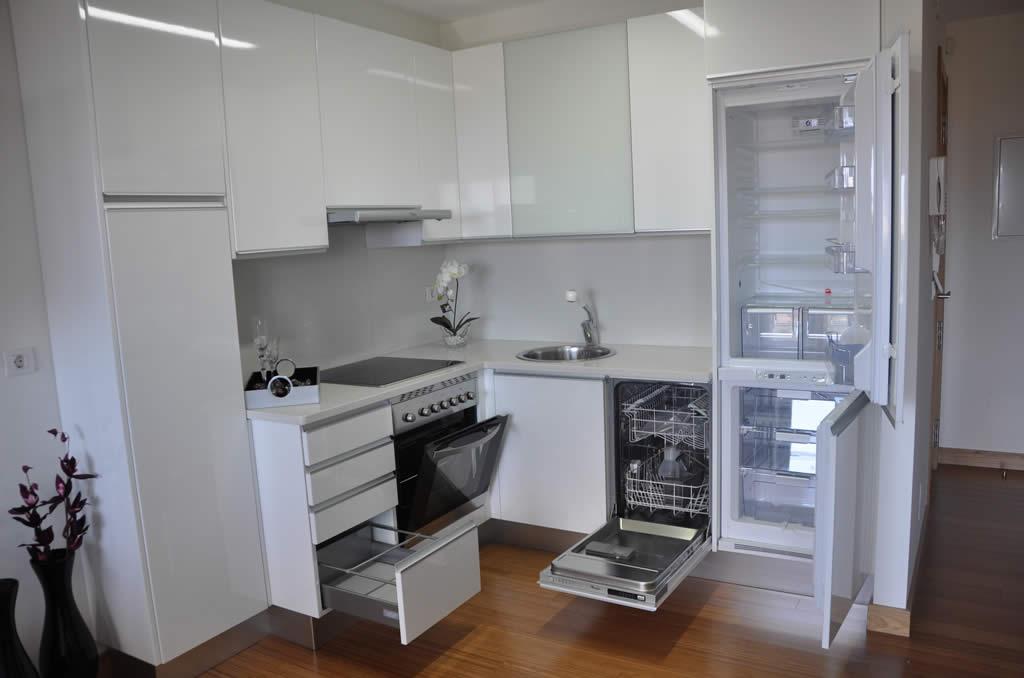 Calidades en cocinas y ba os conchado y asociados for Banos y cocinas